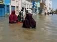 В Сомали мощное наводнение оставило без жилья сотни тысяч людей
