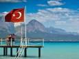Турция с 1 июля готова принимать украинских туристов