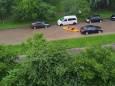Во Львове после сильного дождя местные жители пересели в лодки