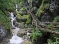 В Австрии 2 человека погибло из-за камнепада в горном ущелье