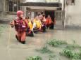 От ливней пострадали свыше 100 тыс. жителей Китая