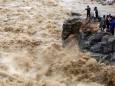 Через зсув у Непалі загинуло 11 осіб, 27 пропали безвісти
