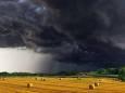 На Закарпаття суне грозовий фронт з дощем та градом