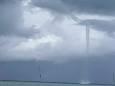У Флориді в безвітряну погоду утворився водяний смерч дивної форми