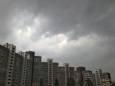Гроза и шквальный ветер. В Киеве резко ухудшилась погода