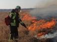В Луганской области продолжается тушение огня