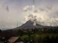 Пірокластичний потік зійшов на вулкані Синабунг в Індонезії