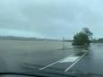 Суровая погода накрыла Австралию: разрушительный ветер и волны высотой 10 метров