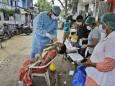 В Индии подтвердили шесть случаев нового штамма коронавируса
