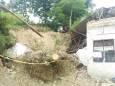 На сході Індонезії проливний дощ викликав смертельні зсуви