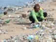 Бразильські пляжі вкрили тонни пластика