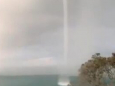 Великий водяний смерч помічений біля узбережжя Нової Зеландії