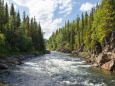 На западе Украины возможны грозы и подъем воды в реках