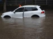 Сильний дощ затопив Херсон і Миколаїв
