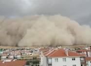 ВИДЕО. Песчаная буря накрыла целый город в Турции