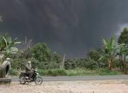 На Суматрі відбулося виверження вулкана Сінабунг