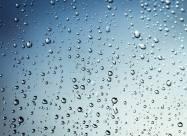 Микрокапли воды способны превращаться в перекись водорода – ученые