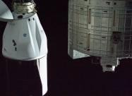 Вантажний космічний корабель Dragon 2 вперше успішно повернувся на Землю