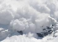 В Карпатах туристов предупреждают об опасности схода лавин