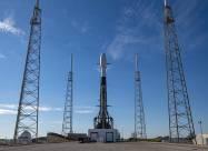 Ракета SpaceX стартовала на орбиту с рекордным количеством спутников
