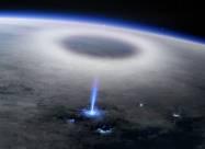 Ученые показали необычное явление в стратосфере, снятое с борта МКС