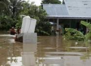 ВИДЕО. Мощное наводнение и оползни в Индонезии