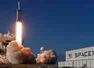 Falcon Heavy доставить на Місяць місяцехід для пошуків покладів льоду