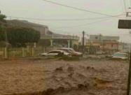 Внезапные наводнения обрушились на город Патцун в Гватемале. Видео