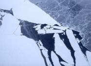 В прибрежных районах Арктики лед стал вдвое тоньше