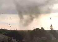 Смерч пошкодив десятки будинків у Запорізькій області. Відео