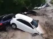 Сильна повінь у Криму: Ялту і Керч накрили аномальні зливи. Фото, відео
