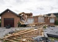 На город Маскуш в Канаде обрушился торнадо. ВИДЕО