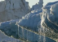 Танення льоду викликає зміни в земній корі у величезних масштабах