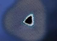 Таємничий «порожнистий острів» виявлений на знімках Google Maps