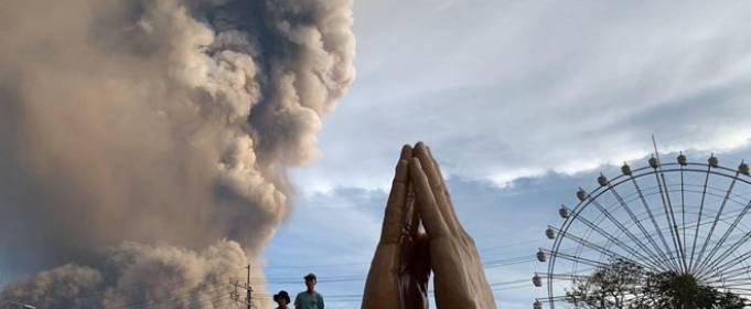 На Филиппинах эвакуируют 300 тыс. человек