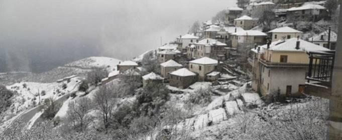 В Греции неожиданно выпал снег