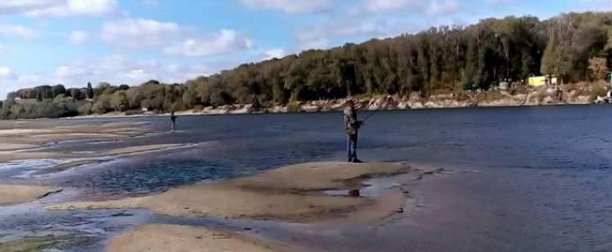 Уровень воды в Десне упал до исторической отметки
