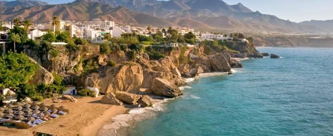Пляжи Испании открылись для купания