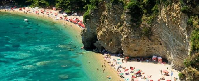 Черногория открывает границы для 9 стран с начала июня. Украины нет в списке