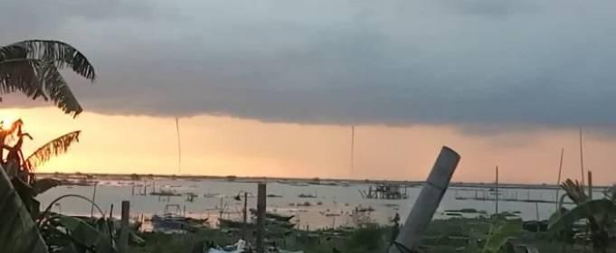На Филиппинах прошелся тройной водный торнадо