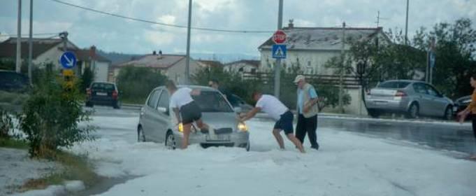 В Хорватии выпал июньский снег