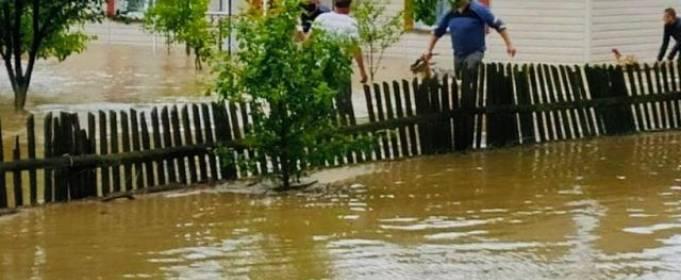 На западе Украины объявлен красный уровень опасности из-за ливней
