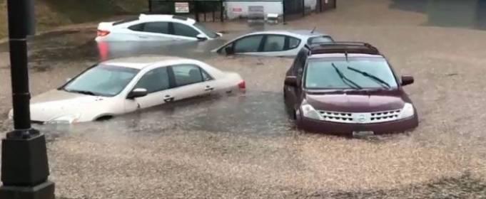 Сильные ливни вызвали наводнение в штате Массачусетс
