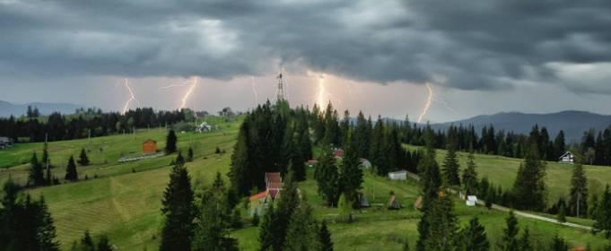 У Західній Україні очікуються грози, град і шквальний вітер