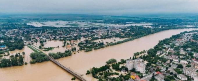 На вихідних Західну Україну знову заллє дощами