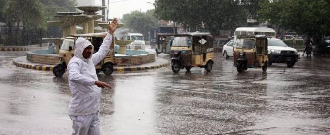 Зливи в Пакистані привели до загибелі 15-ти осіб