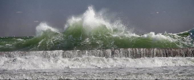 В Одессе прогнозируют сильный ветер и шторм