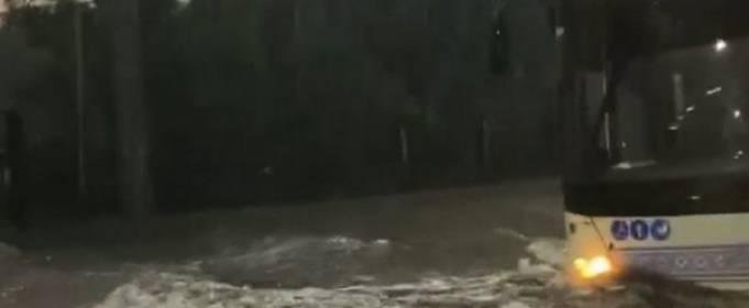 Ливень затопил улицы Запорожья