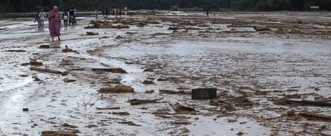 Індонезійський острів Сулавесі постраждав від раптової повені
