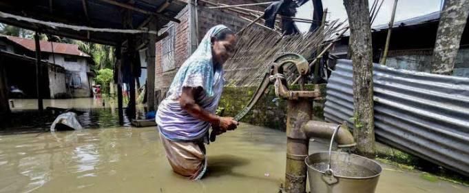 В результате наводнений в Индии погибли 470 человек